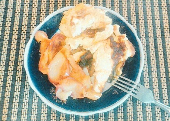 Омлет с творогом и яблоками