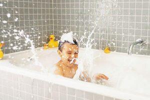 Как избавиться от плесени в ванной: народные способы